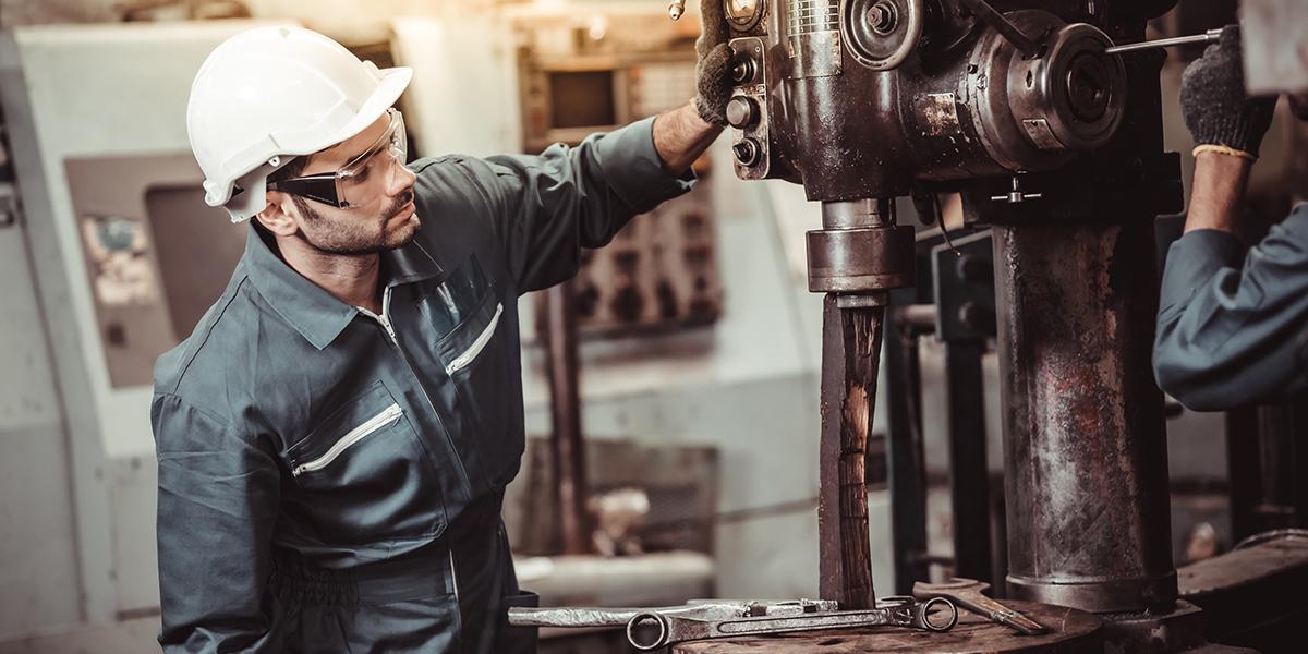 Wartung, Inspektion und Instandhaltung einer Maschine