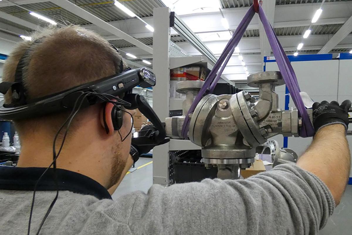 acceptance of safety valves at LESER